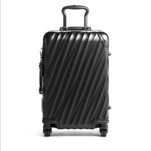 NEW Tumi international Carry On 19""